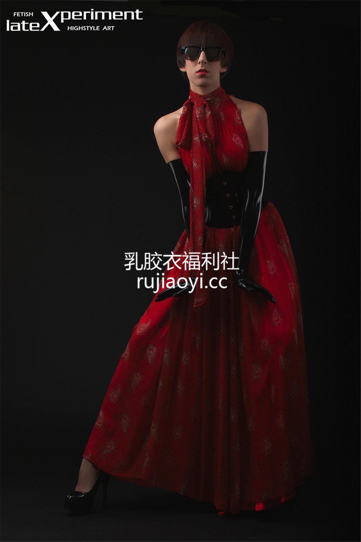 [LateXperiment] 人体艺术乳胶衣模特写真