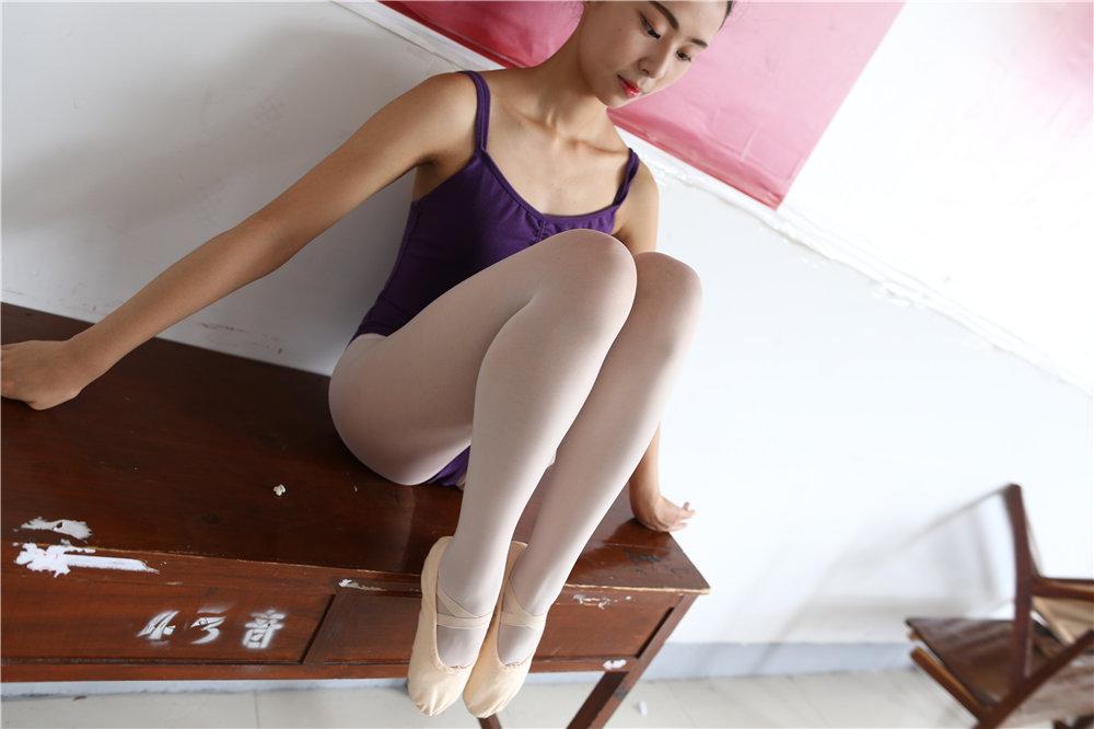 [大西瓜爱牙膏] W016-020 5期打包合集高跟丝袜裸足稀有资源高清百度云下载