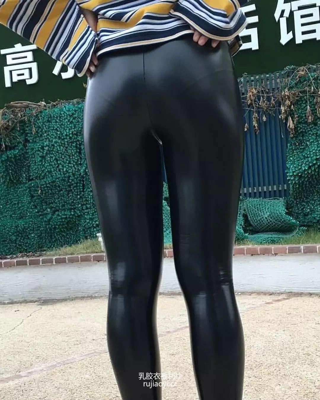 [免费资源] NO.007 皮裤美腿公园