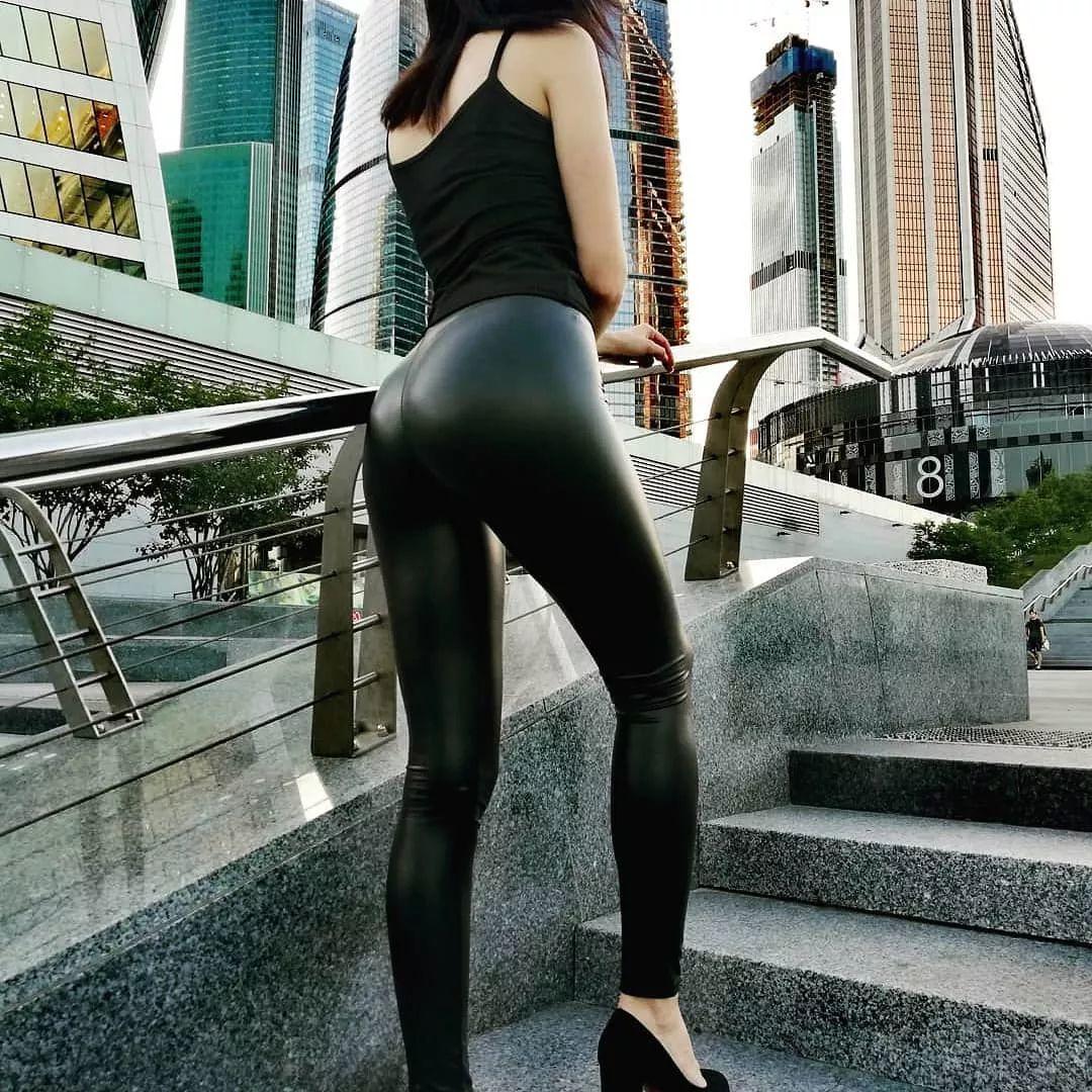 [免费资源] NO.002 皮裤美腿第一百次