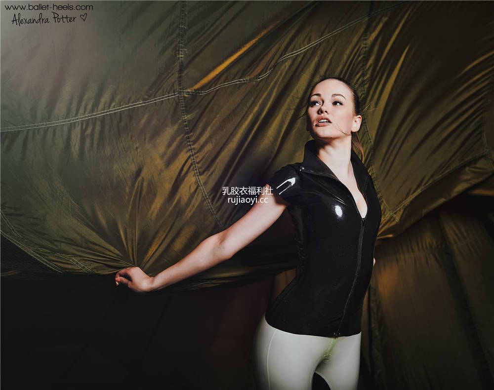 [Ballet-Heels] 高跟巨乳乳胶美腿格外迷人 [59P110M]