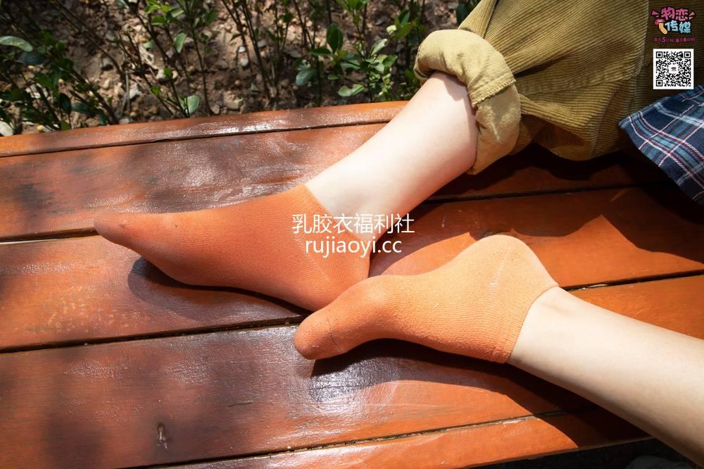 [物恋传媒] No.013 气质独特的邻家小妹,粉色小棉袜加白袜哦 [187P122G]