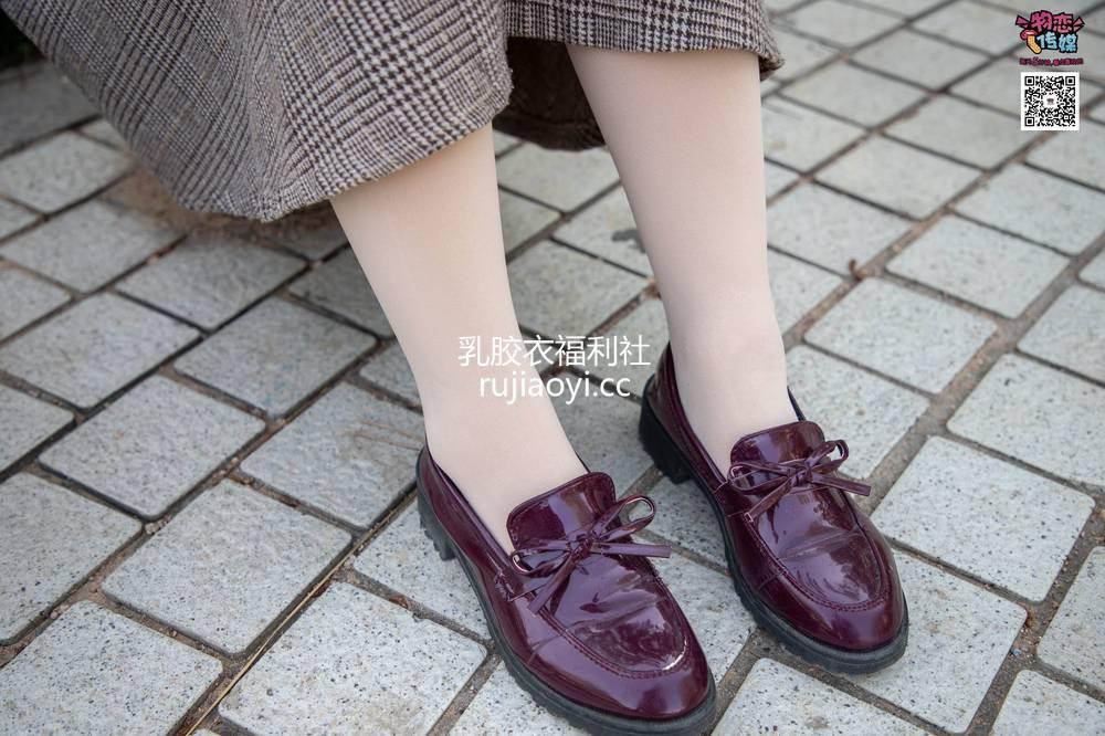 [物恋传媒] No.015 书香气质女生,肉丝搭配白棉袜 [192P1V1.46G]
