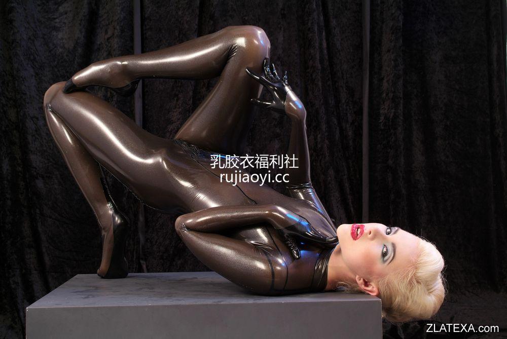[Zlatexa] 魅力女神乳胶衣丰乳肥臀让人迷恋 [88P236M]