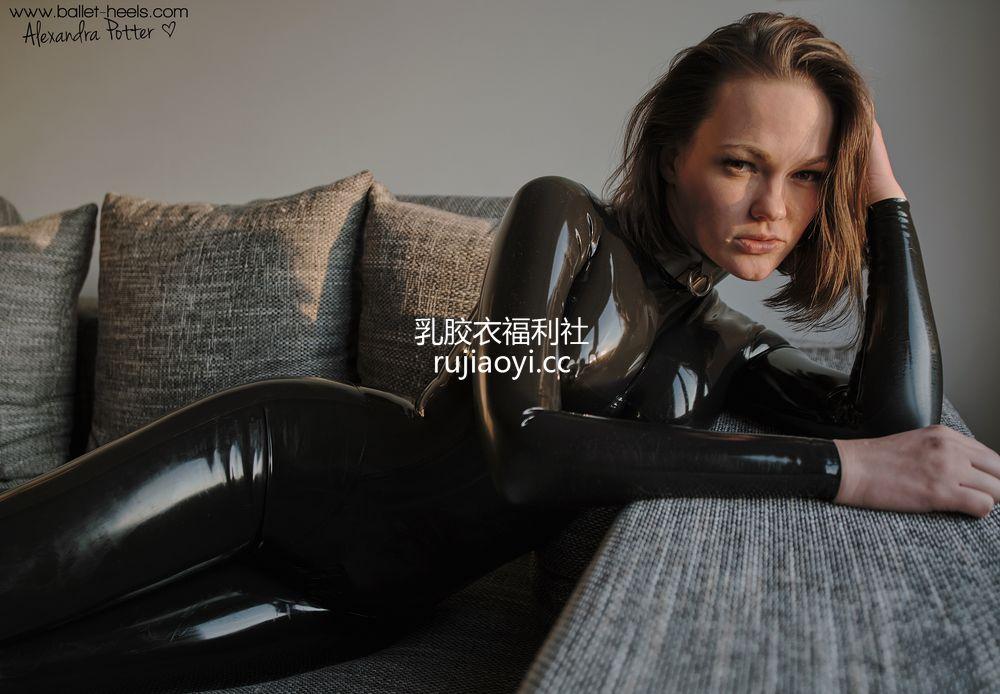 [Ballet-Heels] 金发少妇新乳胶紧身衣(二) [70P224M]