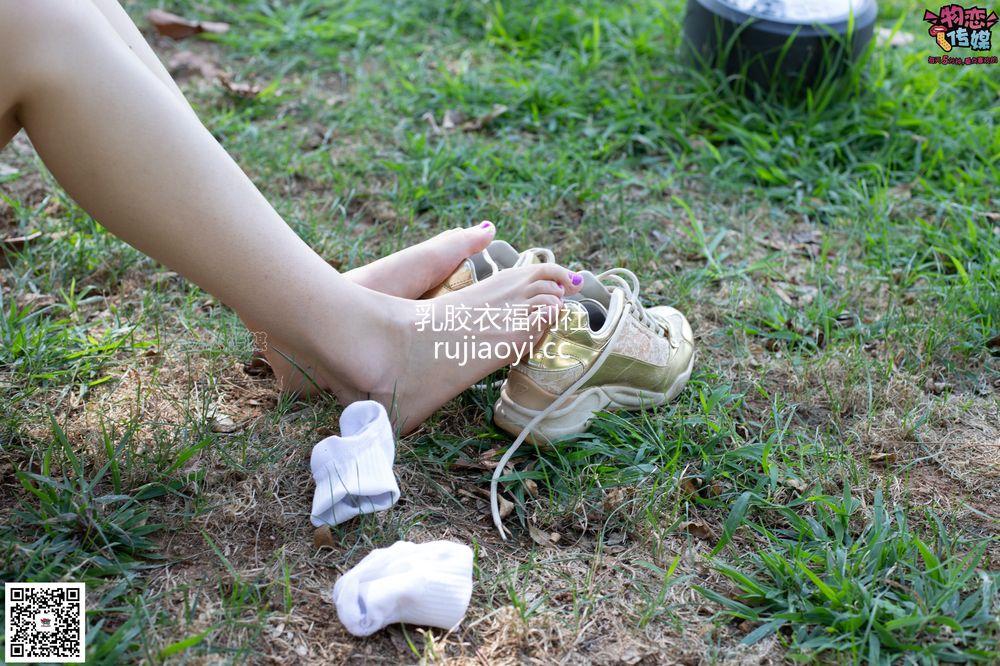 [物恋传媒] 057期:摇滚重金属,狂野的温柔,纯情的安踏白棉袜 [190P1V1.42G]