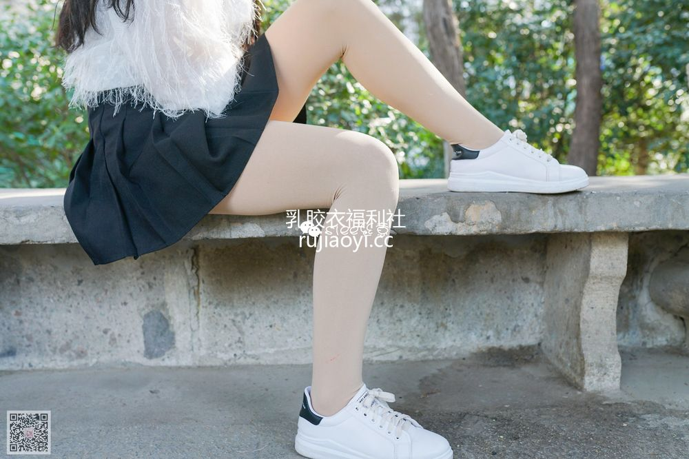 [SIEE丝意] No.287 小月 青涩的小白鞋 [56P200MB]