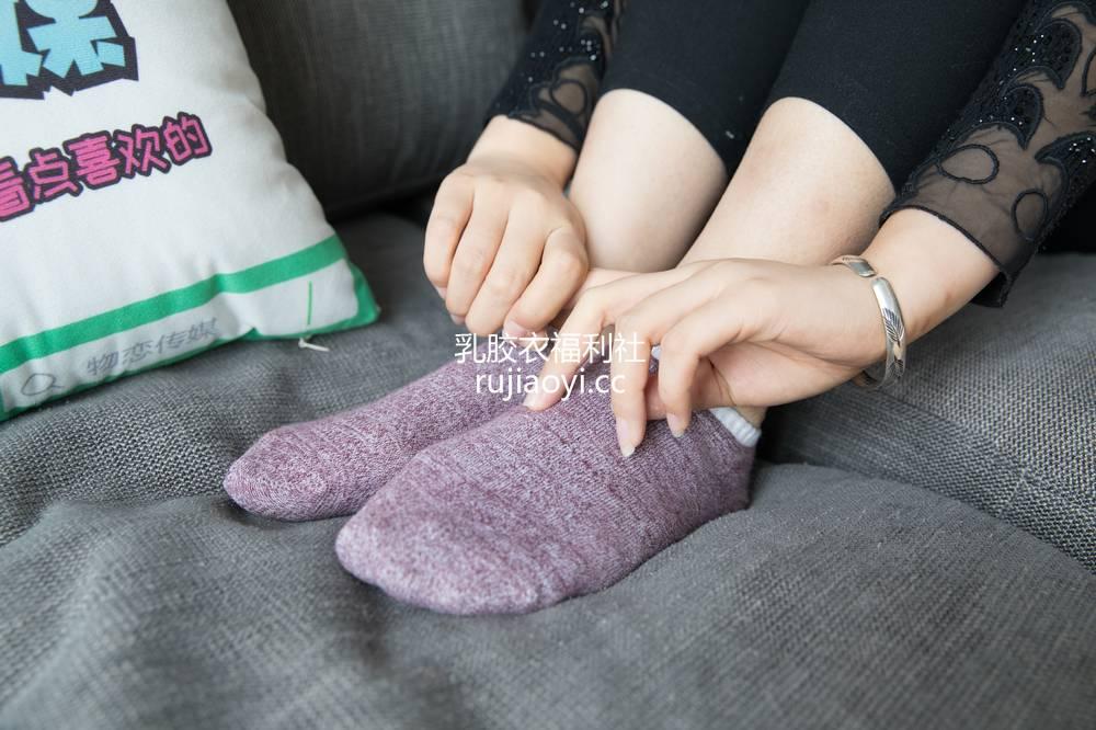 [物恋传媒] No.111 陌非-港风的大冷艳与小性感(板鞋、棉袜、裸足) [177P1V3.48G]