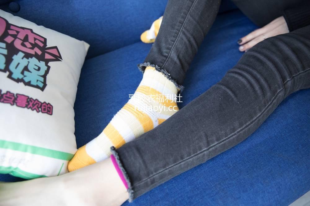 [物恋传媒] 114期:豆豆-酷酷的女生隐藏的羞涩(帆布鞋、黄色棉袜、裸足) [156P1V2.9G]