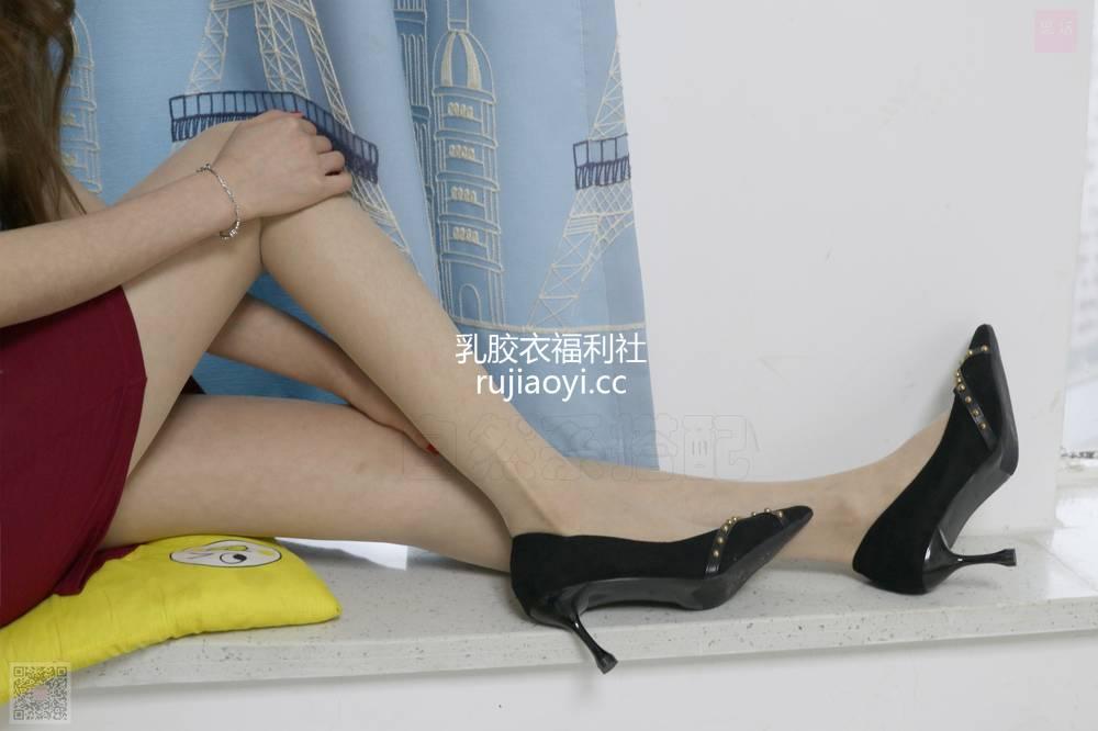 [SiHua丝话] NO.063 大波浪和红裙很配哟~ 伊一 [91P2V1.59G]