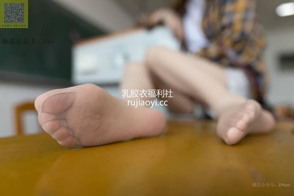 [山茶摄影Iss] NO.044 学妹棉袜肉丝 [87P90M]