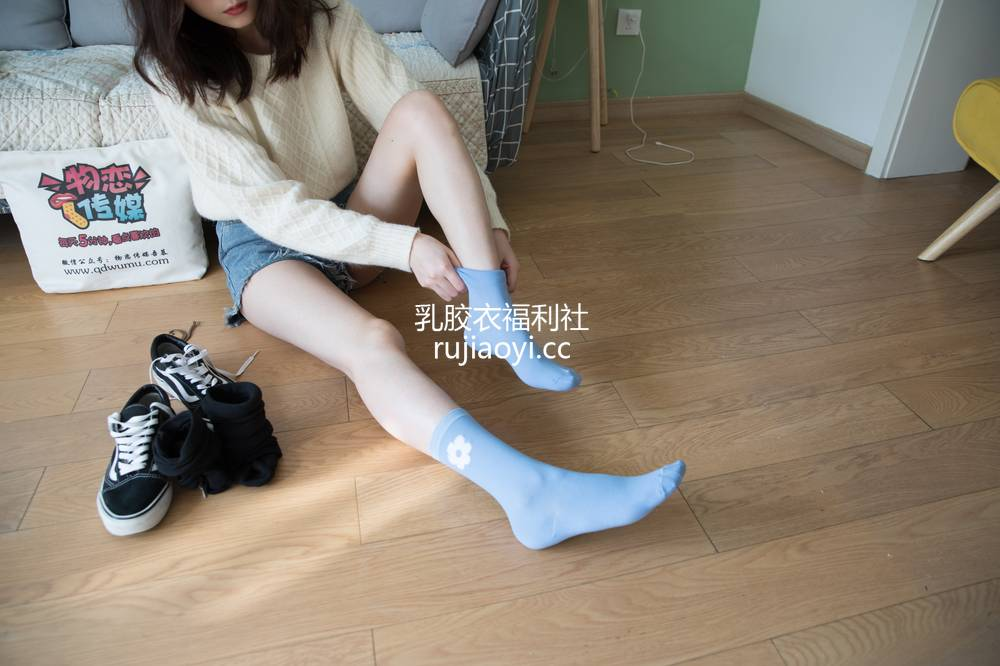 [物恋传媒] No.297 猫耳-糖果心情 [232P1V5G]