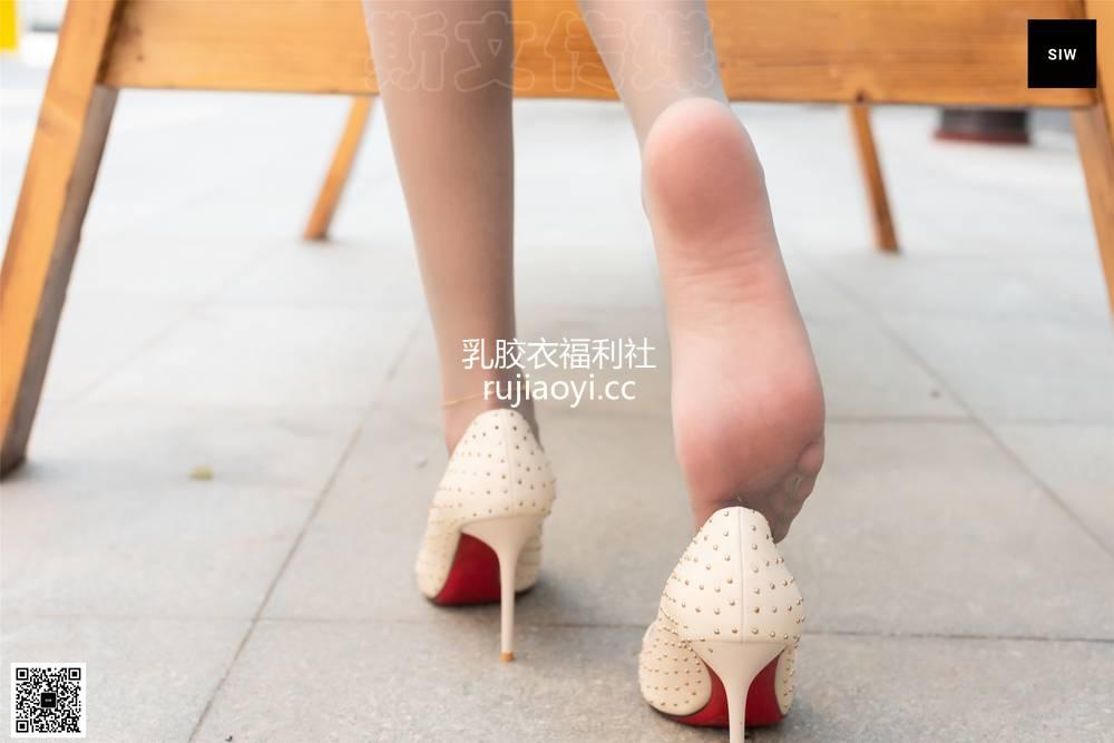 [SIW斯文传媒] VOL.065 秋千女孩-蓉儿 [66P168MB]