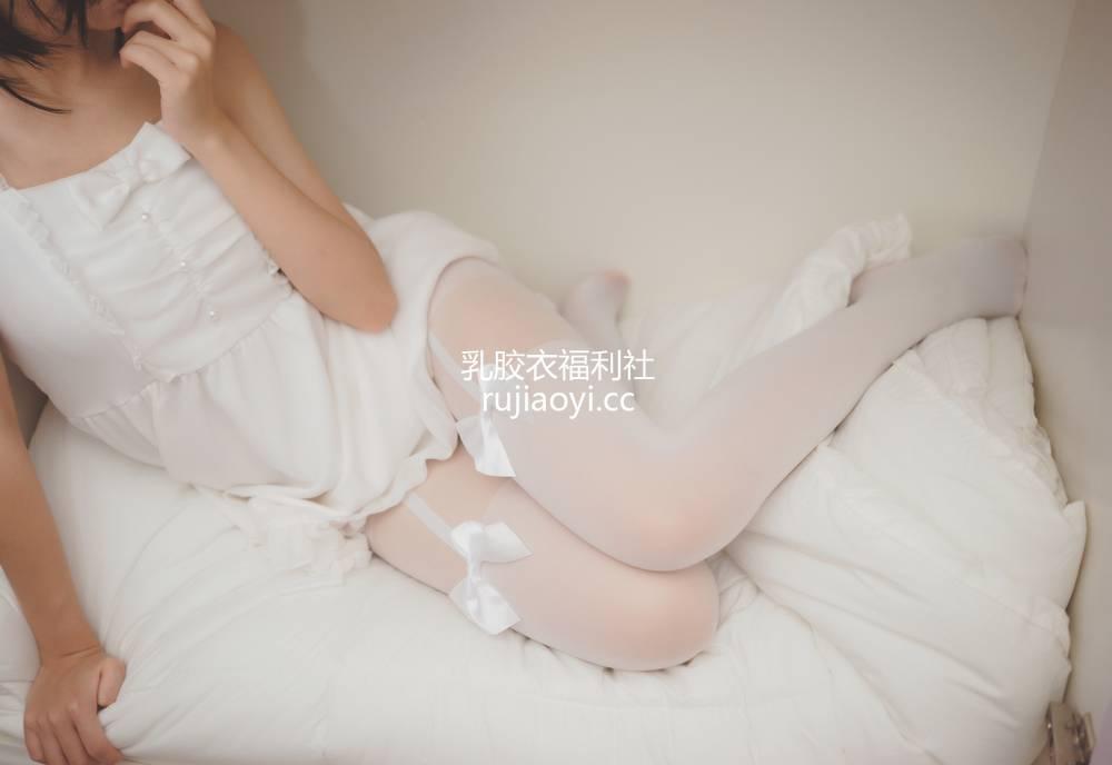 [网红杂图] 可爱人气Coser面饼仙儿 NO.039 白色空间  [10P122MB]