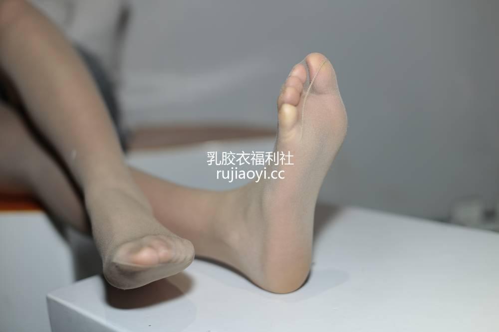 [奈丝写真] NO.038:喵喵-人面桃花相映红 [35P139MB]
