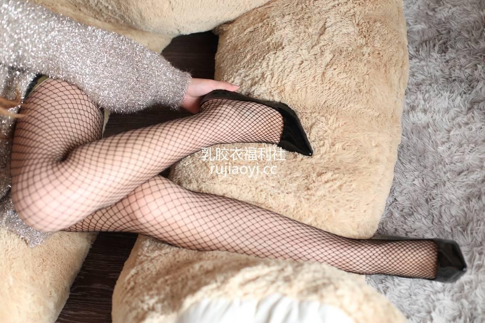 [奈丝写真] NO.050:毛毛-妩媚渔网袜 [34P202MB]