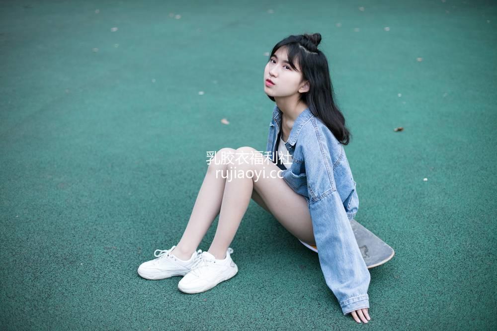 [奈丝写真] NO.059:小橙子-这么可爱一定是女孩子啊 [51P697MB]