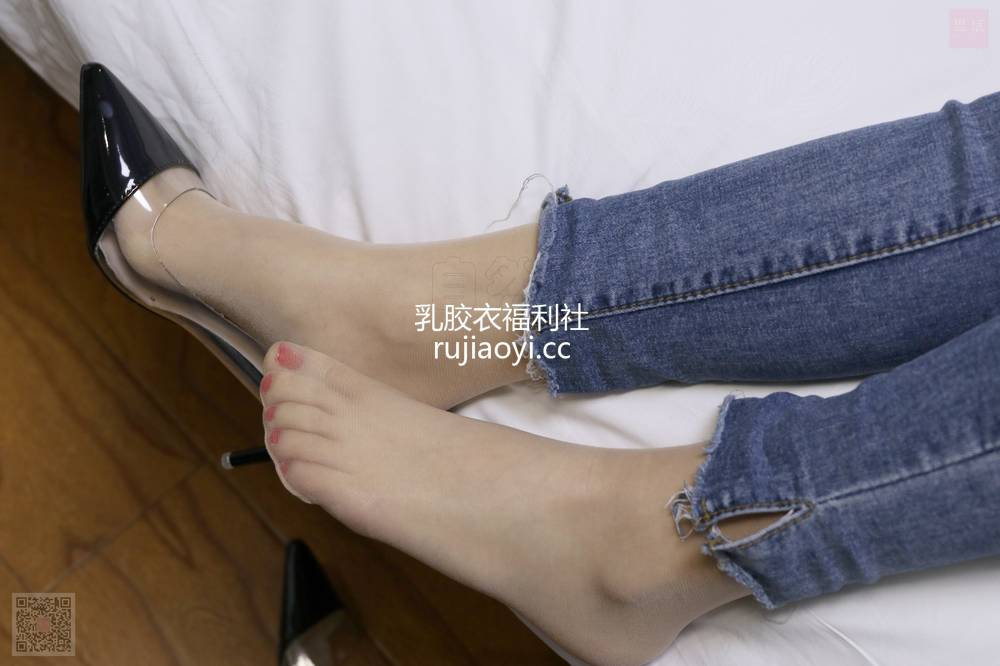 [SiHua丝话] NO.054 狐狸与裤里斯 小狐狸 [94P2V1.85G]
