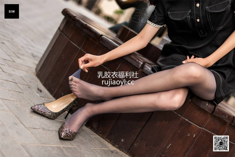 [SIW斯文传媒] VOL.035 桃花映纯-蓉儿 [71P187MB]