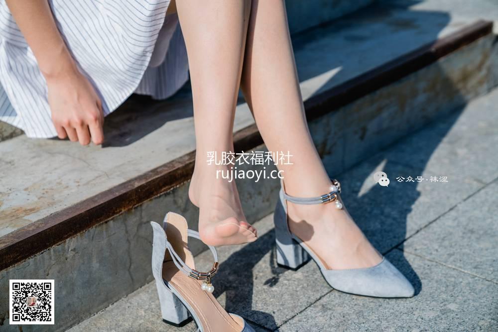 [袜涩] NO.056 肉丝白色连衣裙 [34P636M]