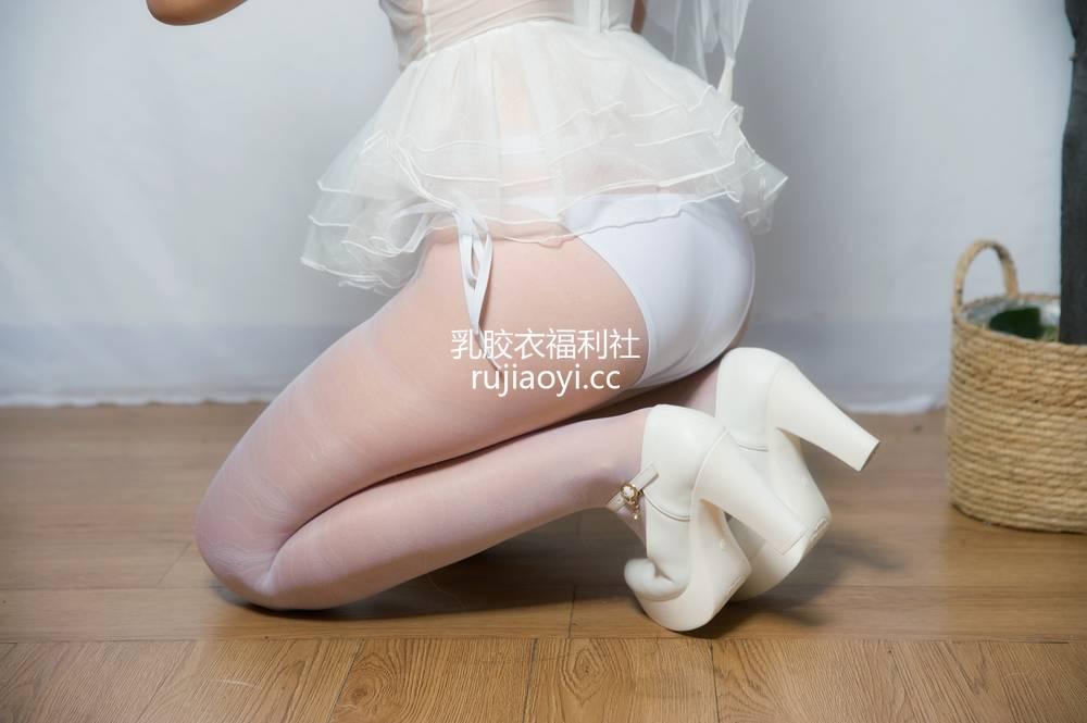 [网红杂图] 大碗排面 - 婚纱兔白丝婚纱 [23P59MB]