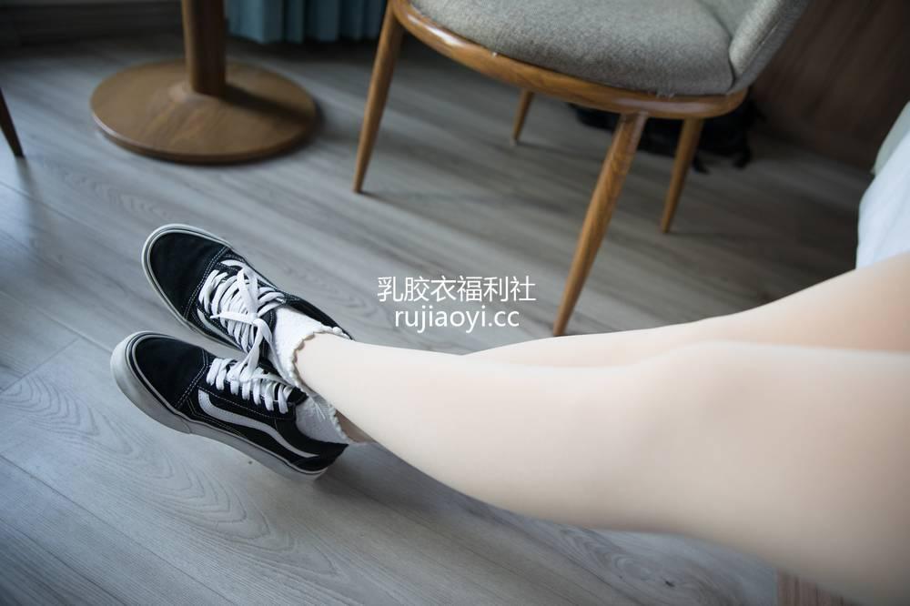 [物恋传媒] No.279 雅梦-一朵冬日暖 [198P1V5.01GB]