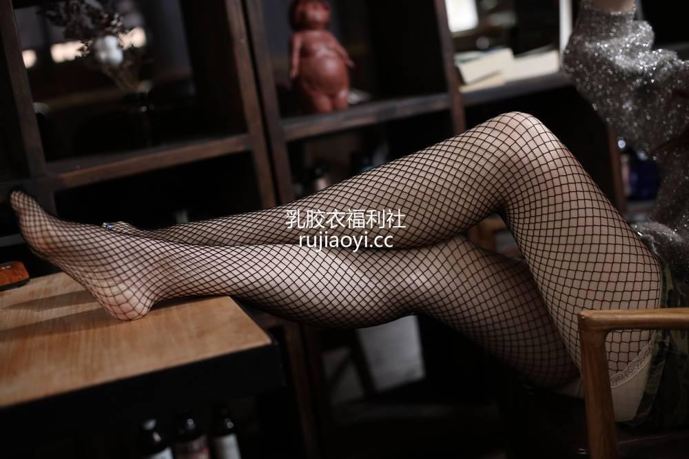 [奈丝写真] NO.057:花米-黑色渔网的美腿show [39P351MB]