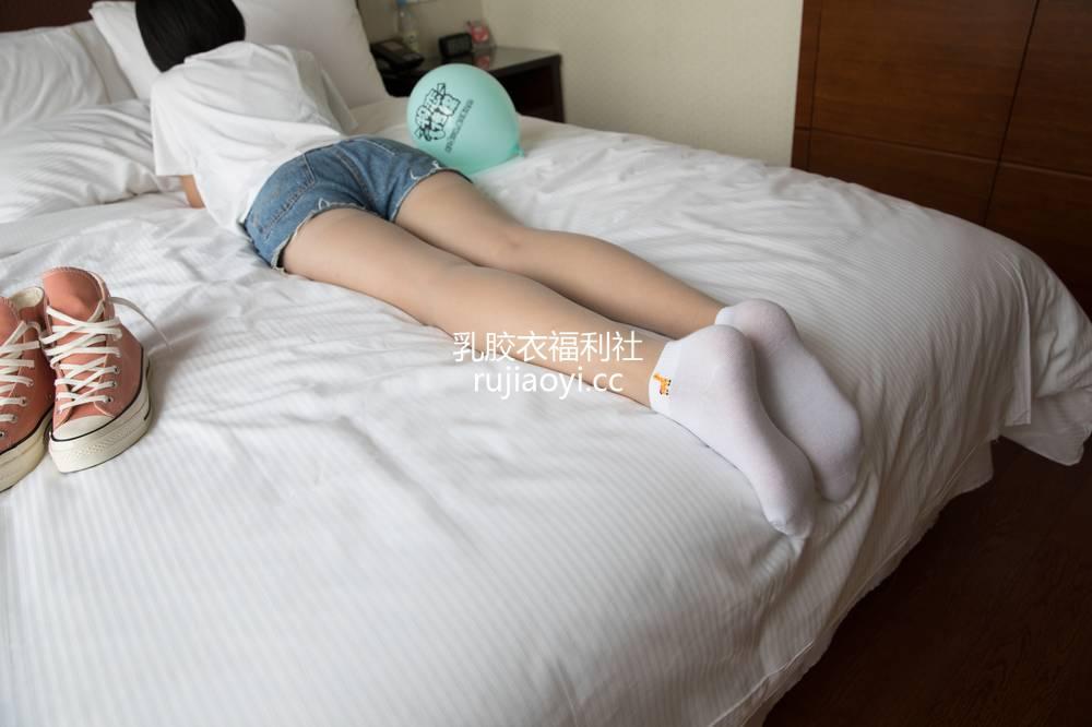 [物恋传媒] No.282 小飞-告白气球 [2081V4.49GB]