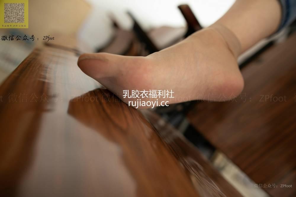 [山茶摄影Iss] NO.045 小卓牛仔短丝 [96P71M]