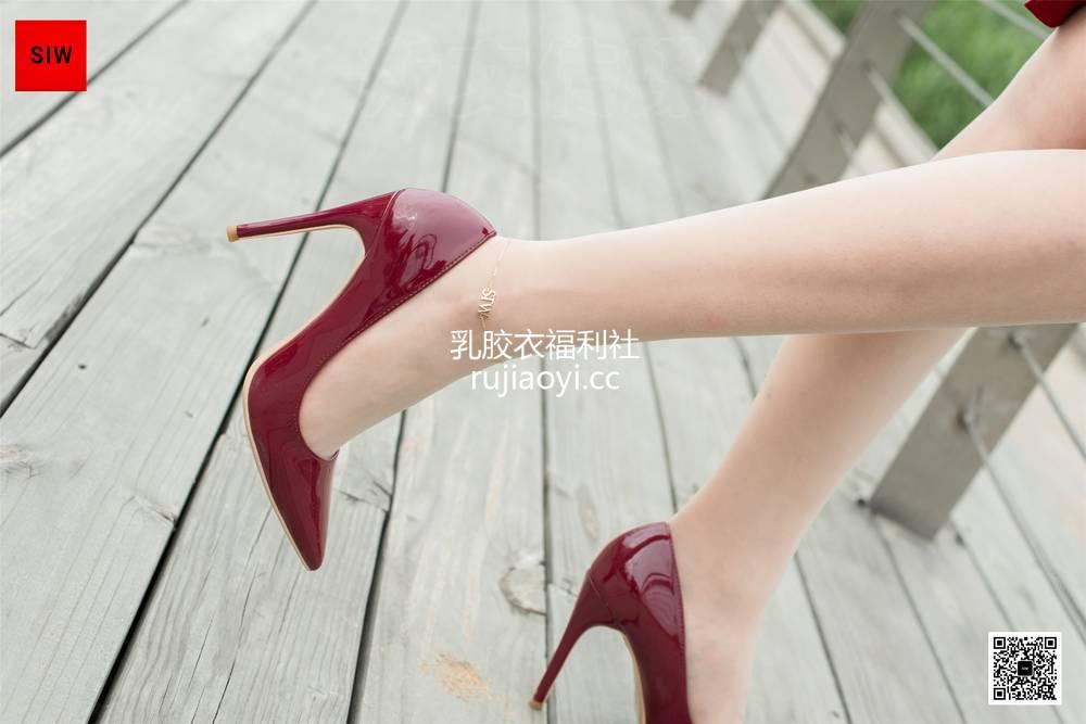 [SIW斯文传媒] VOL.041 水岸红裙-甄珍 [55P134MB]