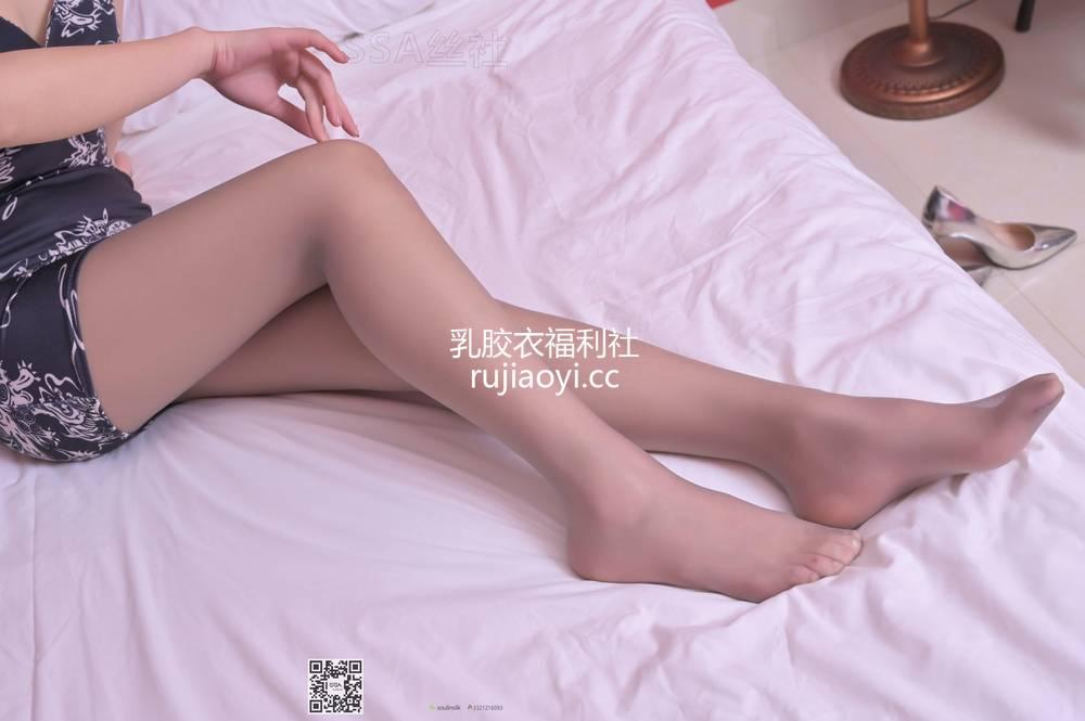 [SSA丝社] NO.100 腿模大大妩媚脱丝特写 [99P87M]