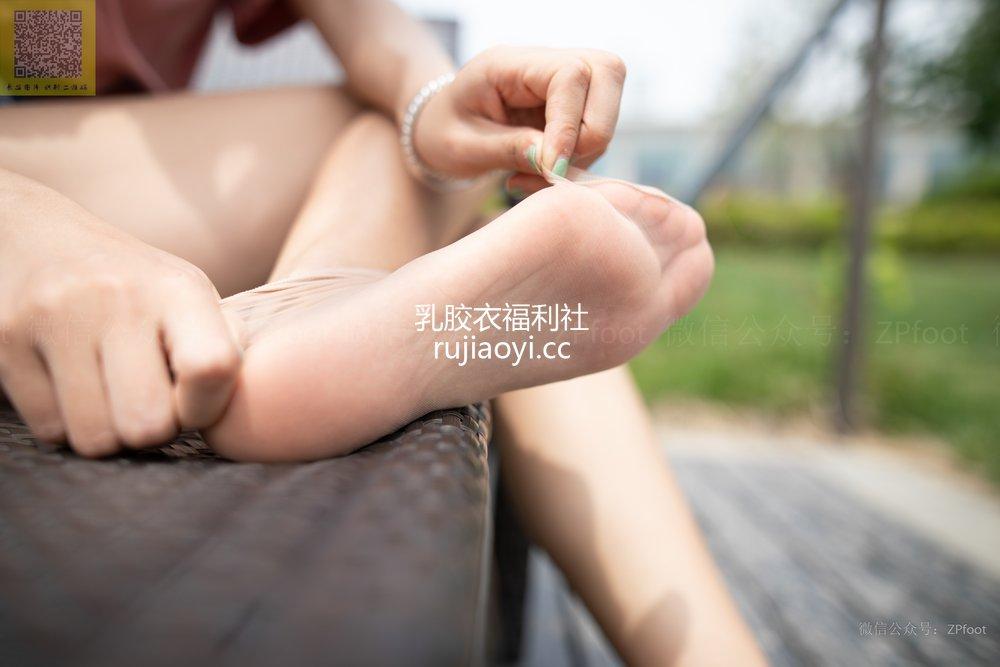 [山茶摄影Iss] NO.121 小雪也爱短丝 [82P319MB]