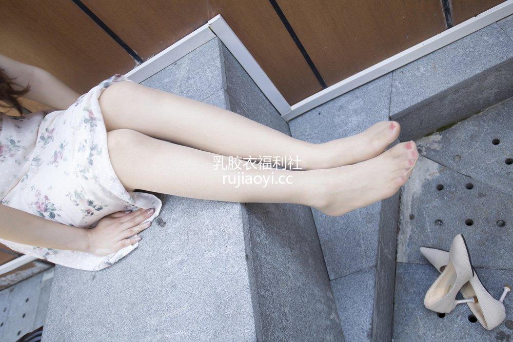 [SiHua丝话] NO.143 小丫 逛商场累了歇歇脚 [51P85MB]