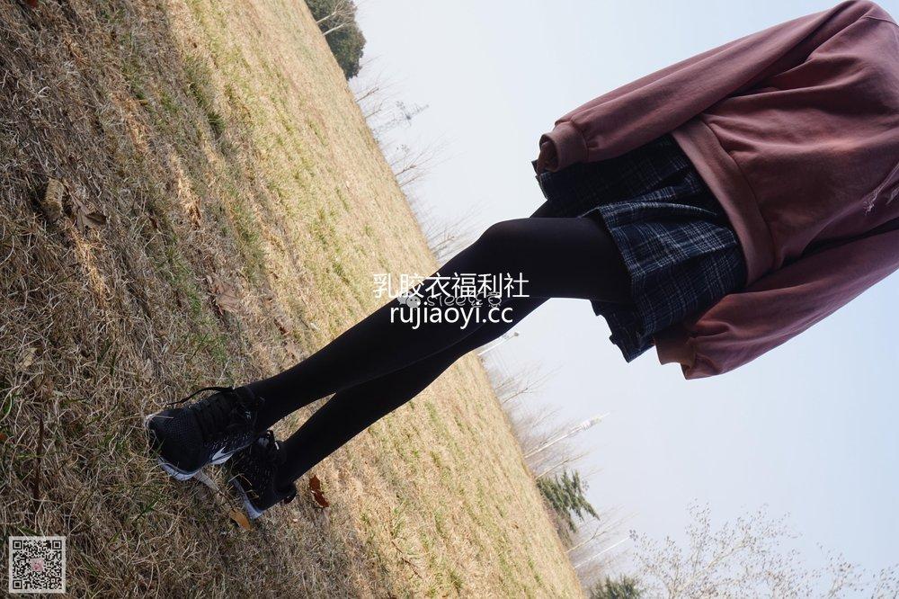 [SIEE丝意] No.073 楠楠 运动鞋 [64P149MB]