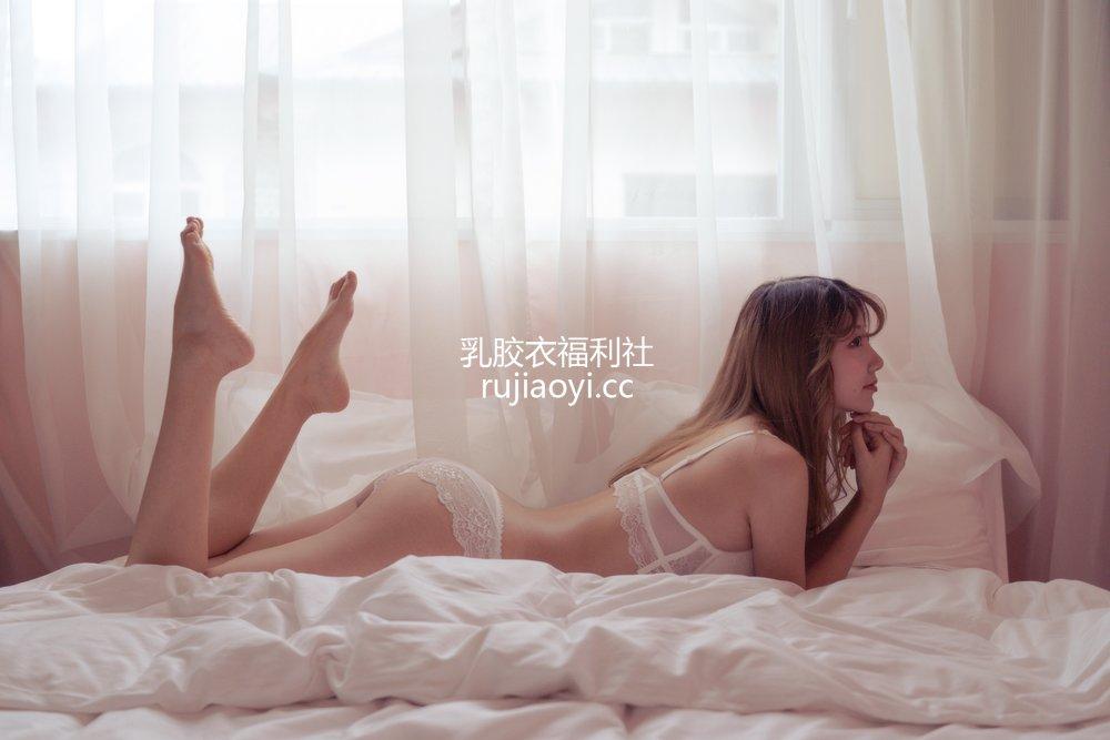 [网红杂图] 黑川 - 年上彼女 白色内衣 [32P395MB]