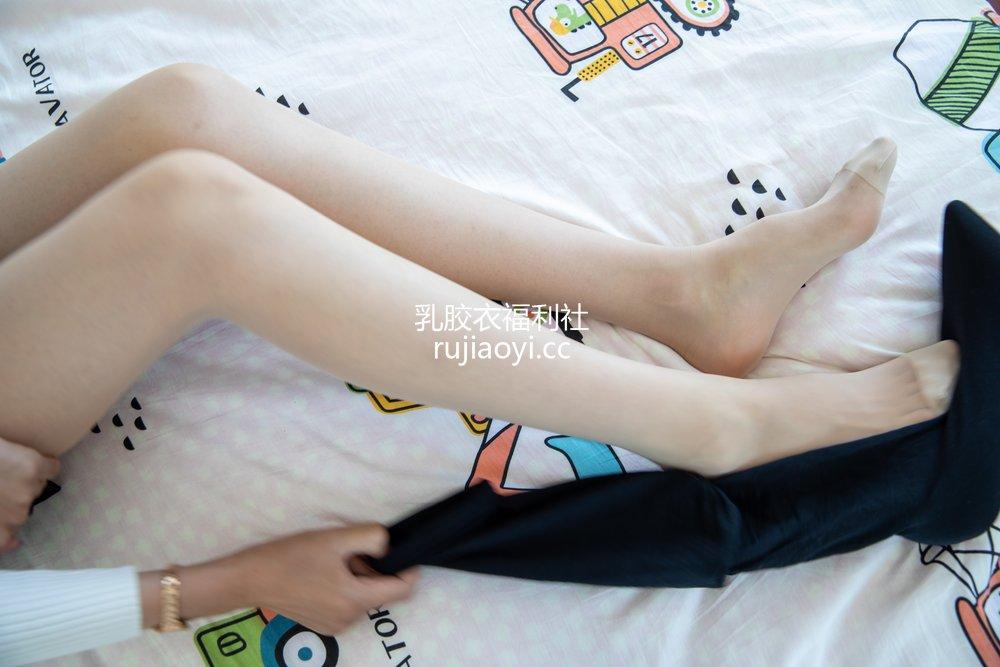 [物恋传媒] No.431 苏镶-烟雨青 [156P1V4.06GB]