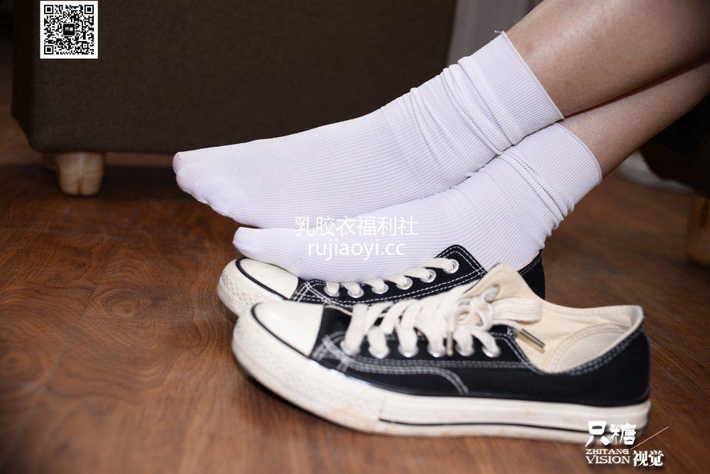 [只糖原创] NO.028 瑾瑾-那些和帆布鞋有关的事 [174P449MB]