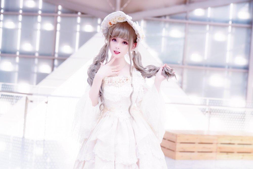 [网红杂图] yui金鱼 - Lolita [15P30MB]