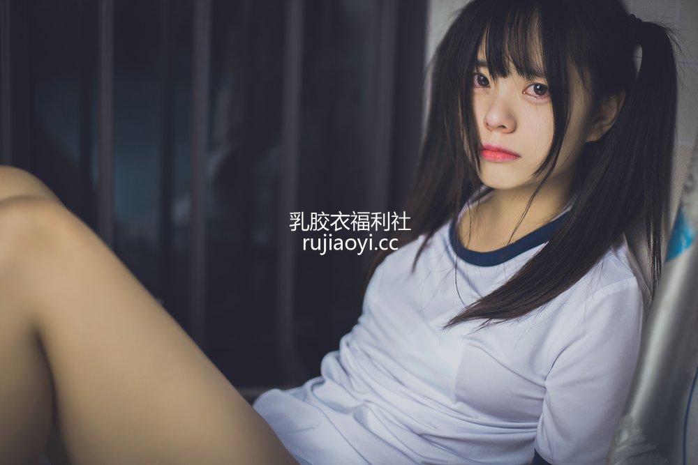 [网红杂图] 小野妹子w - 运动服·悲 [15P155MB]