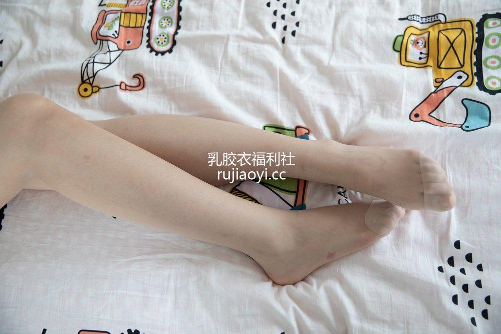 [物恋传媒] No.483 小茶-晨曦舞 [159P1V4.33GB]
