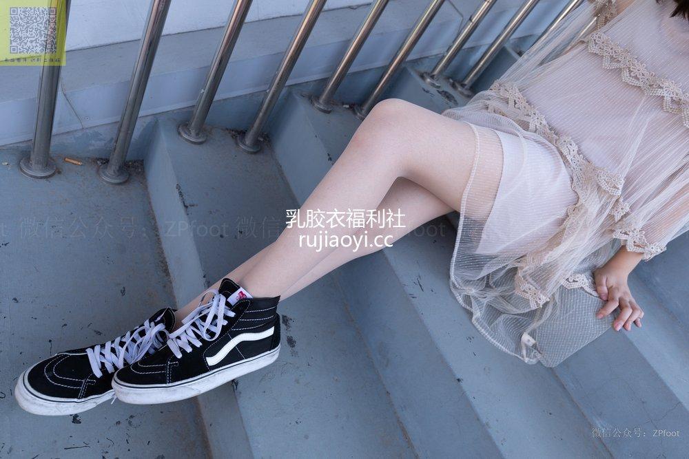 [山茶摄影Iss] NO.186 丝袜穿搭29 [78P302MB]