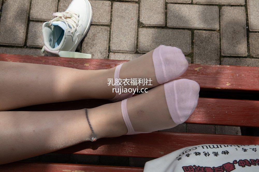 [物恋传媒] No.475 婷婷-茶心 [131P1V3.83GB]