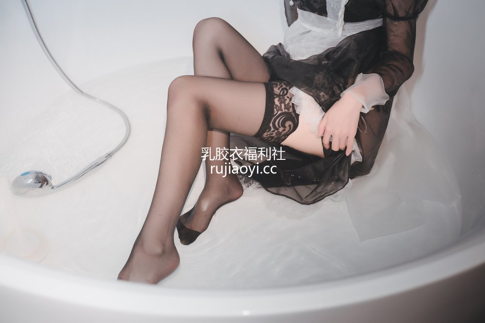 [网红杂图] 西园寺南歌 - 透明女仆 [50P2V568MB]