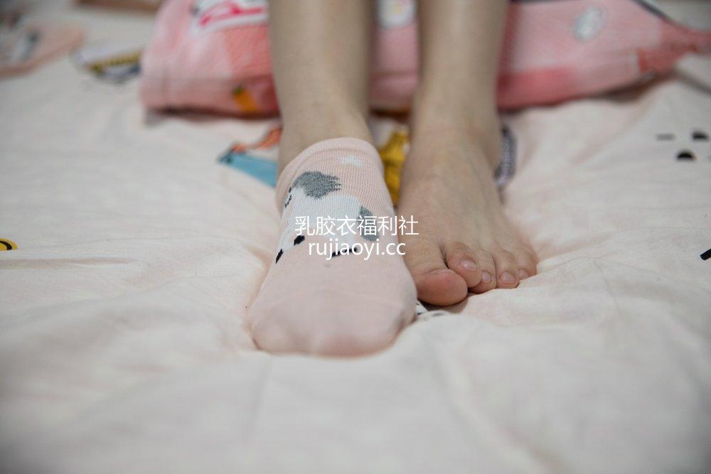 [物恋传媒] No.520 珊珊月下酒歌 [141P1V4.45GB]