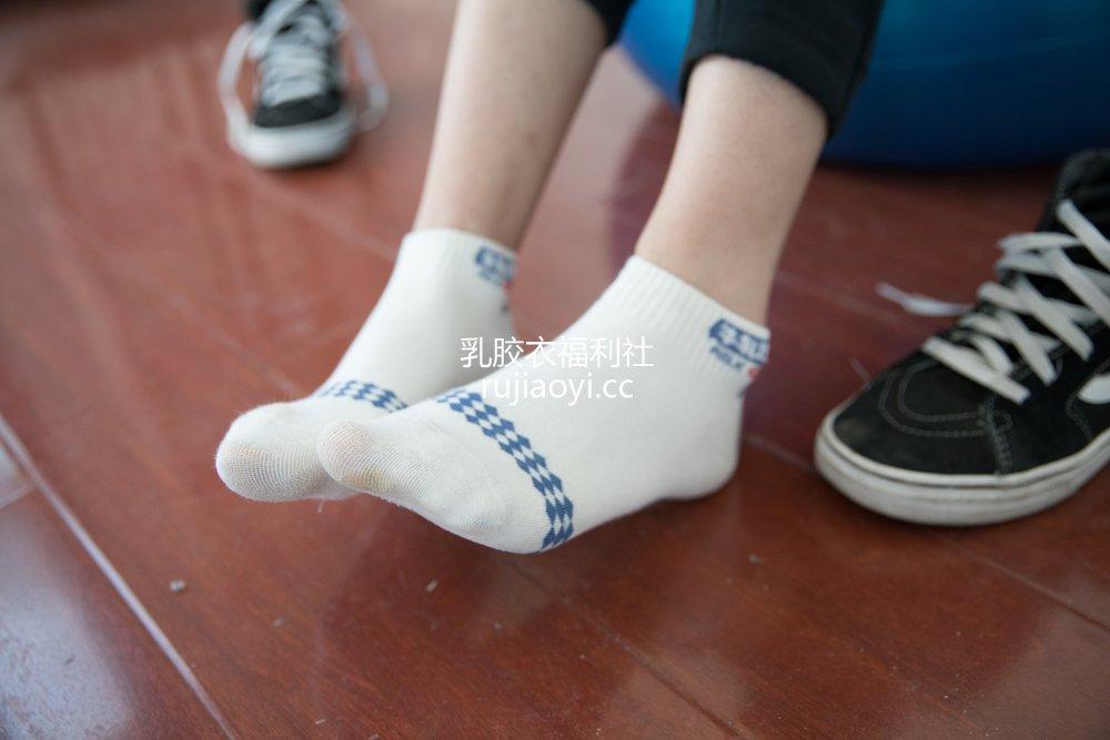 [物恋传媒] No.516 小飞-花之人生 [157P1V4.02GB]