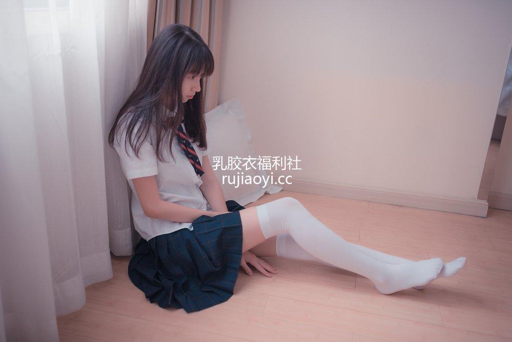 [网红杂图] 祖木子 - 制服白丝小姐姐 [49P48M]