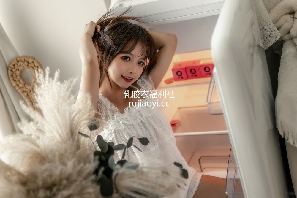 [网红杂图] 蠢沫沫 - 大象 白睡衣 [29P271MB]