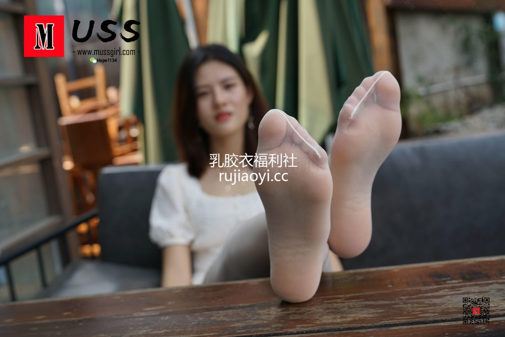 [MussGirl慕丝女郎] No.018 白衣护士与白丝的绝美邂逅小贤(足底特写篇)[79P168MB]
