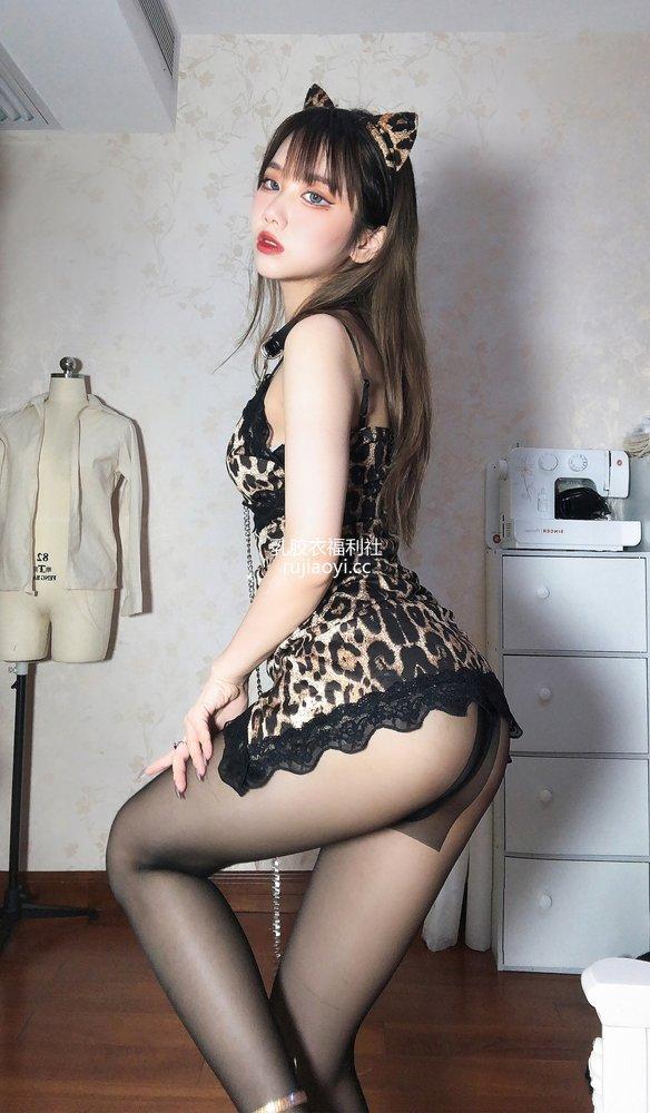 [网红杂图] 果咩酱w - 豹女姐姐 [25P140MB]