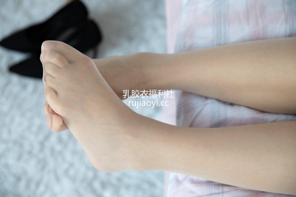 [物恋传媒] No.624 心心-风里的温柔 [131P1V3.16GB]